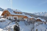 Ein romantischer Winterspielplatz in den Bergen