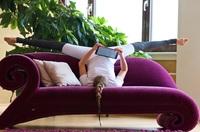 Live-Mitschnitte auf Vimeo: Yoga Vidya baut sein Online Seminar-Angebot erheblich aus.