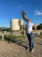 Kay Riecks Erdöl/Erdgas-Unternehmen erschließt eine Gasquelle gemeinsam mit Chesapeake