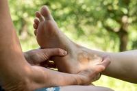 Unruhige Beine - 5 erfolgreiche Tipps, die effektiv helfen
