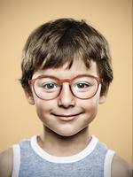 Revolution gegen zunehmende Kurzsichtigkeit bei Kindern: MiYOSMART Brillengläser von HOYA