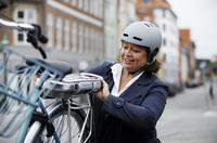 E-Bike Akku am Arbeitsplatz aufladen? - Aktuelle Verbraucherfrage der ERGO Rechtsschutz Leistungs-GmbH