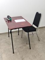 Klappttische u. Prüfungstische für Seminare und Anlässe