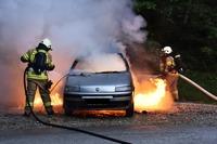 Was tun, wenn es im Auto brennt?