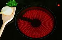 Ceranfeld reinigen - so funktioniert es am besten