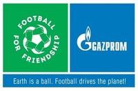 Teilnehmer von Football for Friendship diskutieren über Umweltschutz und stellen in einer Online-Challenge ihre besten Ideen vor