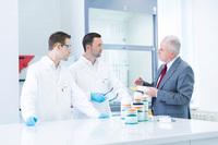 Herstellerneutrale Beratung für optimalen Klebstoff