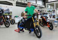 E-Motorradhersteller eROCKIT mit Deutschlands berühmtesten Praktikanten!