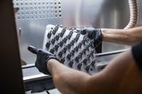 Erste marktweite DNV-Zertifizierung: 3D-Druckservices von Protolabs liefern zuverlässige Ergebnisse für den Öl-, Gas- und Energiesektor