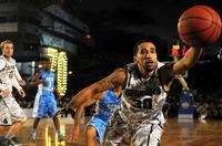 Neu: Werfen Sie Ihre Basketball-Domain in den Korb