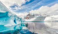 """Taufe der """"Crystal Endeavor"""": Luxus-Expeditionsyacht der Superlative sticht in See"""