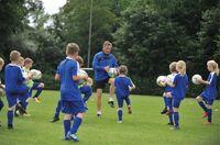 Bald startet die Manni Kaltz Fußballschule am Weissenhäuser Strand