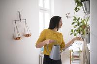 Wer haftet für Schäden bei der Nachbarschaftshilfe? - Aktuelle Verbraucherfrage der ERGO Versicherung