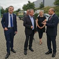 Hoher politischer Besuch bei Baladna DE in Grevenbroich