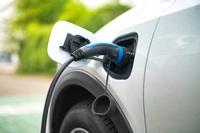 Umfrage von Protolabs in der Batterieindustrie zeigt klare Tendenzen zur Rückverlagerung von Produktion und stärkerem Umweltschutz