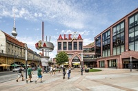 ONLY eröffnet größten Berliner Store im ALEXA