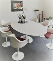 Bauhausklassiker: Tulip-Tische originalgetreu nach Eero Saarinen