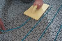Fußbodenheizung für Mini-Bäder: Platz und Energie gespart