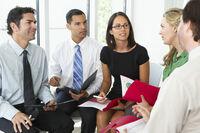 Ausbildung für Führungskräfte: Welcher Anbieter hat die besten Bewertungen?