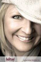 Die Münchner TOP-Visagistin Katja Höltzel startet mit neuer Homepage