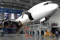 Lufthansa Technik setzt auf Günzburger Steigtechnik