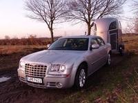 Pferdeanhänger-Zugfahrzeugtest auf www.mit-Pferden-reisen.de: Chrysler 300C