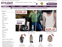 Die Replay Jeans ist ein Klassiker aber auch die Schuhe werden zum Trend  Evergreen