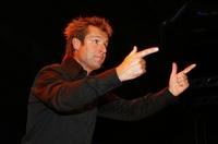 Der holländische Entertrainer Richard de Hoop erobert mit seinen musikalischen Business-Shows nun auch Deutschland