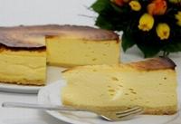 Backrezept des Monats: Hohe gebackene Käsetorte ... locker, frisch und saftig über den Tag hinaus!