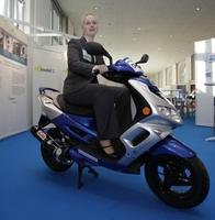 """f-cell 2011: """"Brennstoffzellen und Batterien bewegen die Zukunft"""""""