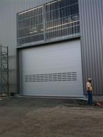 Vollwertiges Außen-Schnelllauftor aus Aluminium von HaWe-Speed