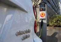 Ladestationen für E-Autos: 5 Kilometer pro Minute laden