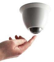 Y-cam EyeBall: die weltweit erste WLAN Mini-Dome IP-Security-Kamera mit Push & Point?