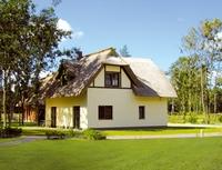 Neue Reetdachhäuser auf der Insel Usedom