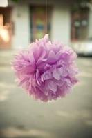 Gewinnspiel von 1001Hochzeiten: Pompoms als Hochzeitsdekoration