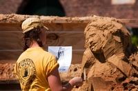 Schulen aus Aachen, Teuven, Vaals, Epen und Slenaken bauen gemeinsam Turm aus Sand