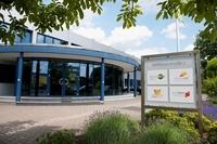 Service 94 GmbH startet bei facebook und twitter durch