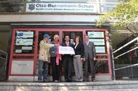 Landessparkasse unterstützt Projekt Solarfabrik der Otto Bennemann Schule mit 1500 Euro