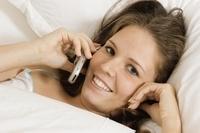 Liegecomfort gibt Entwarnung: kein Risiko mit Handy im Bett