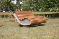 DAUERHOLZ präsentiert Design-Sofa für den Außenbereich