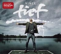 Vince bringt Musik ins Dating Cafe