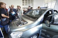 f-cell 2011: Electrically mobile with fuel cells and batteries