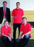 showimage Kaminofen-Hersteller LEDA: Drei Azubis freuen sich über einen feurigen Start ins Berufsleben