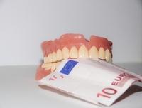 Zahnzusatzversicherung: Erste konkrete Beitragsanpassungen kommen zum Jahreswechsel