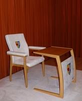 Papstbesuch beschäftigt auch die Möbelindustrie