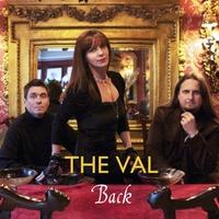 """The Val mit Ihrem Album """"Back"""" am Markt"""