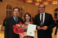 FAZ-Redakteurin Christina Hucklenbroich   erhält Bernd-Tönnies-Preis