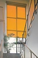 Rollosysteme als Maßanfertigung bieten effektiven Sonnenschutz, Sichtschutz und Blendschutz