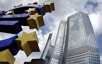 Die Euro-Rettungspakete zerstören die Demokratien Europas