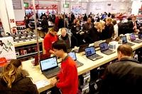 Erfolgskurs: STAPLES eröffnet größten Büromarkt im Rhein-Erft-Kreis